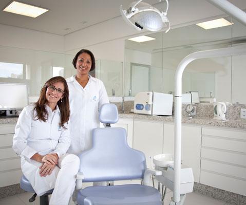 dra-enia-salles-escritorio-odontologia-avanacada