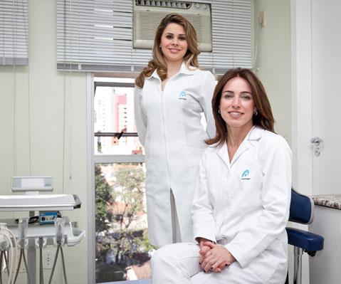 dra-regina-celia-escritorio-odontologia-avanacada